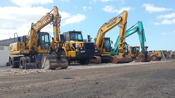 Hawe Earthmoving-excavator fleet hire Bundaberg with articulated dump truck