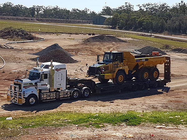 hawe-earthmoving-float-hire-bundaberg