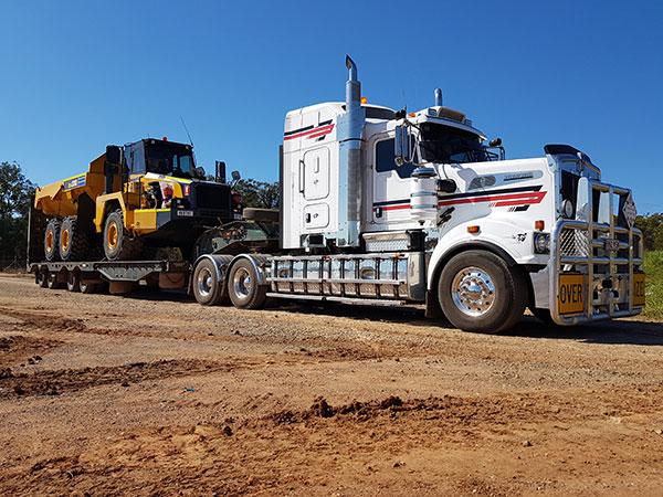 Hawe Earthmoving > 48 tonne low loaders float for hire Bundaberg