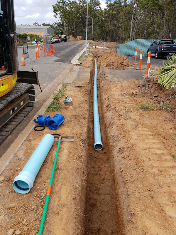 hawe-earthmoving-projects-Water-main-instalation-Industrial-Avenue-bundaberg
