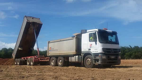 Hawe Earthmoving Mercedes 2534 28 tonne Truck and Super Dog for hire Bundaberg
