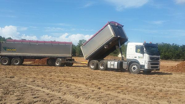 Hawe Earthmoving-truck-and-dog-tandem-tipper-hire Bundaberg