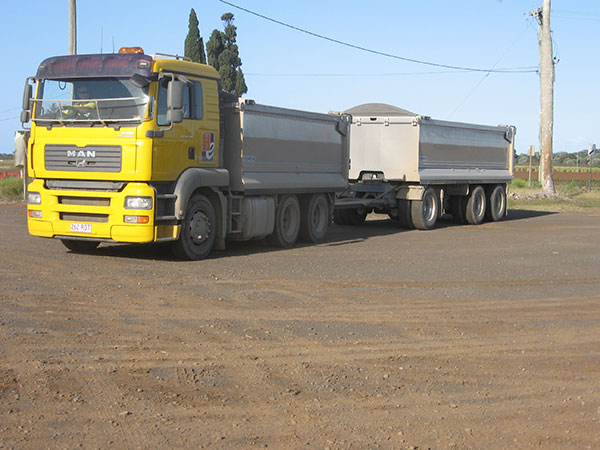 Hawe Earthmoving MAN 2008 29 tonne Truck and Super Dog for hire Bundaberg