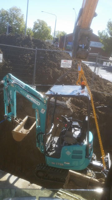 Hume Hire 1.7 tonne excavator hire lavington