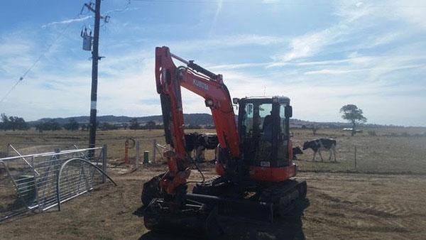 Hume Hire 2.2 tonne excavator hire lavington