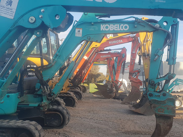 Hume Hire excavator fleet lavington