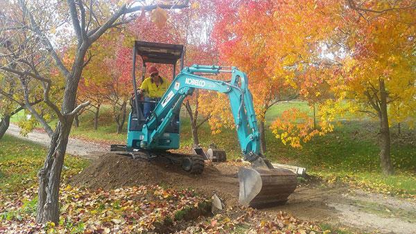 Hume Hire 1.7 tonne mini excavator hire Lavington