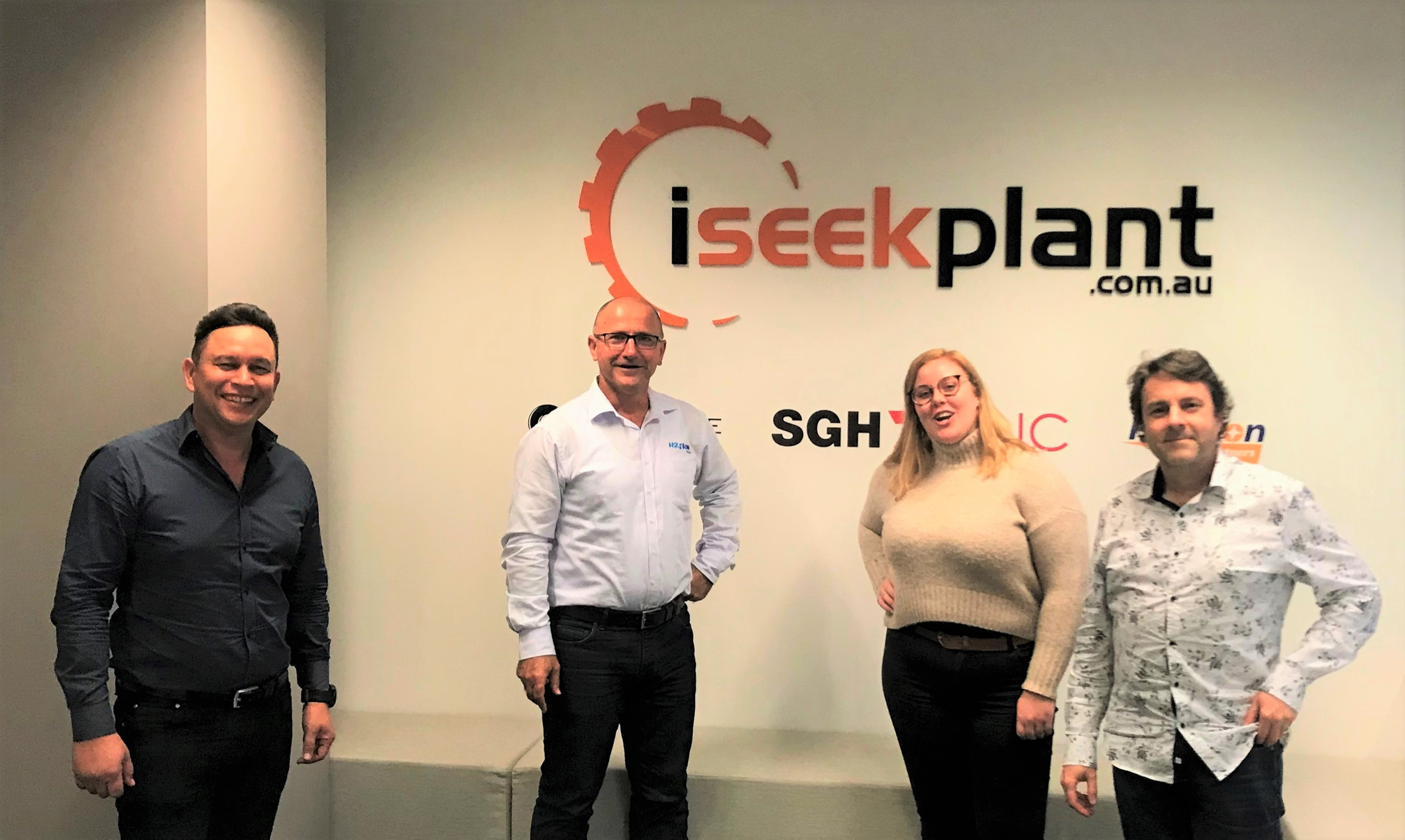 Director Mark Broekman with the iseekplant team at their office.