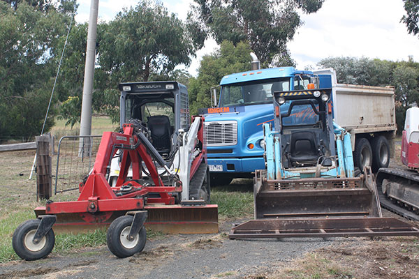 latrobe excavations bobcat and skid steer hire latrobe valley