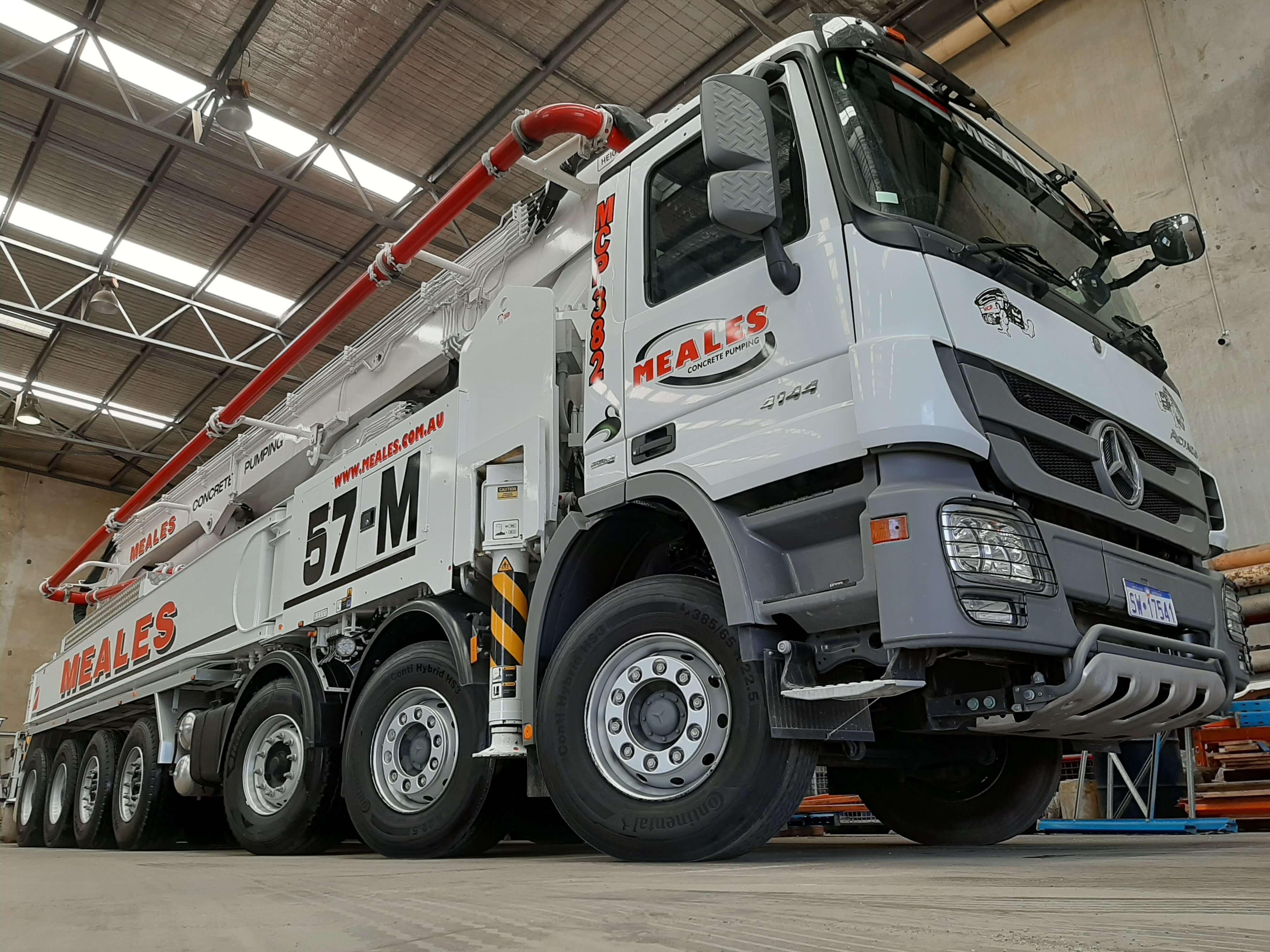 meales-concrete-pumping-boom-pump-truck-57m