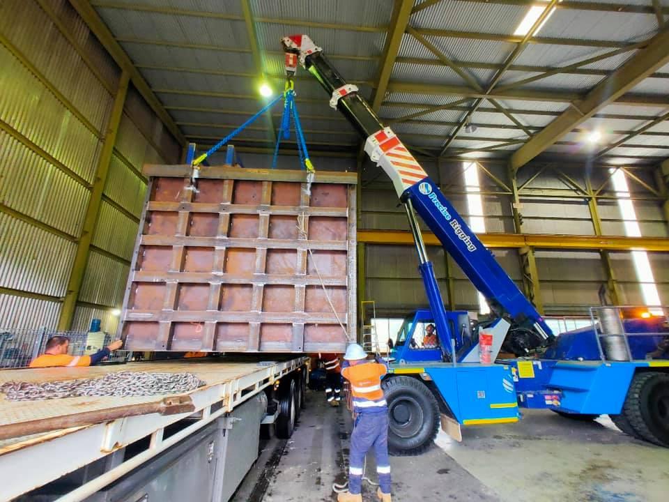 Platform lifting and rigging