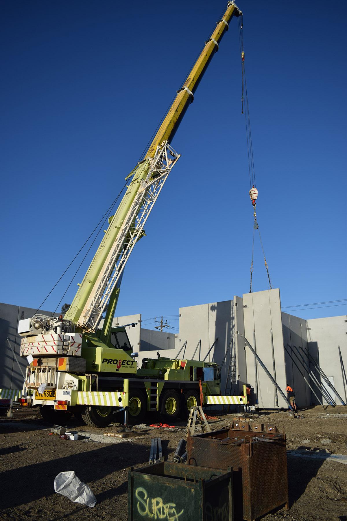 Project Cranes & Rigging mobile crane hire Melbourne lifting concrete