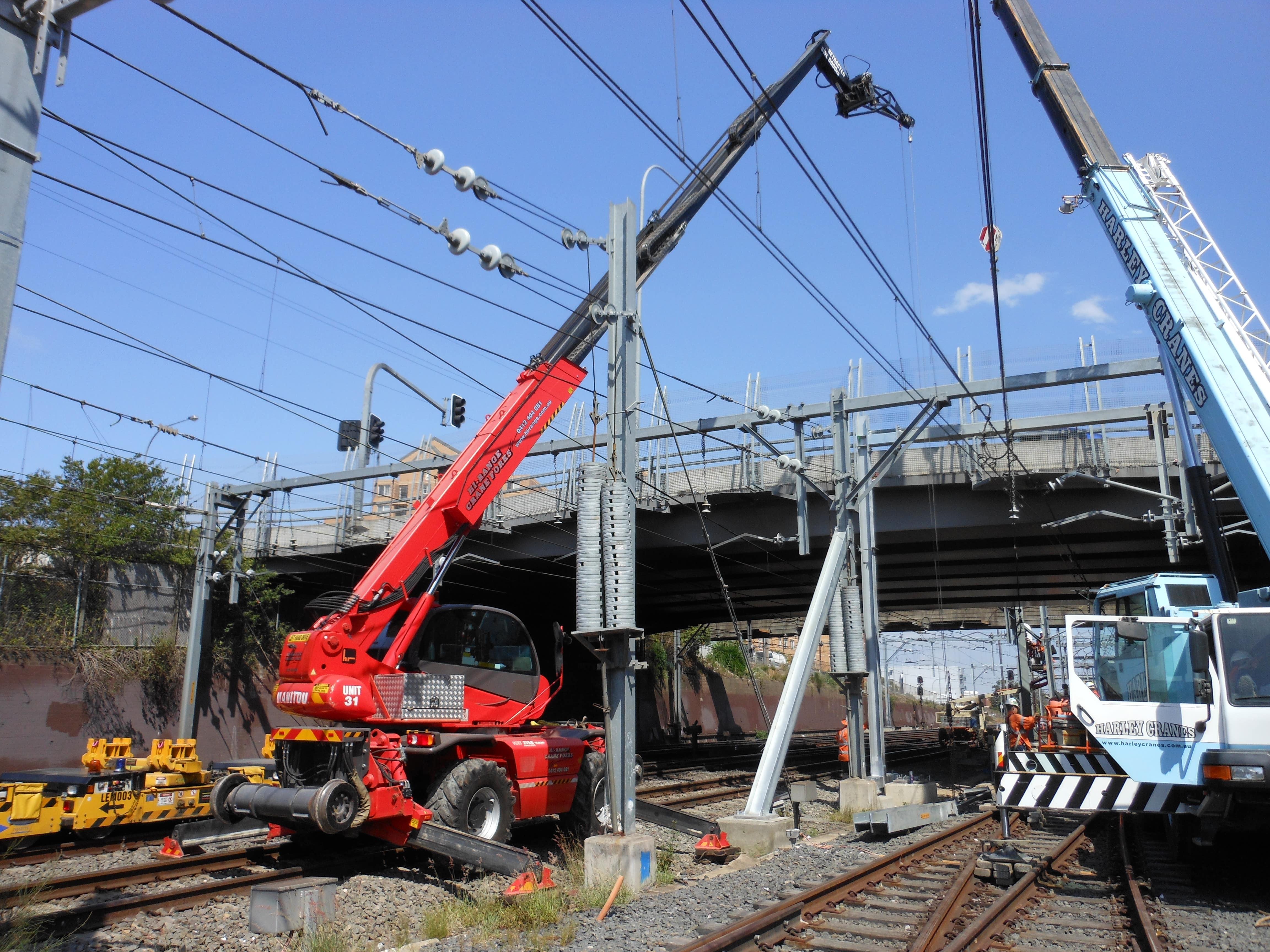 rail-construction-contractors