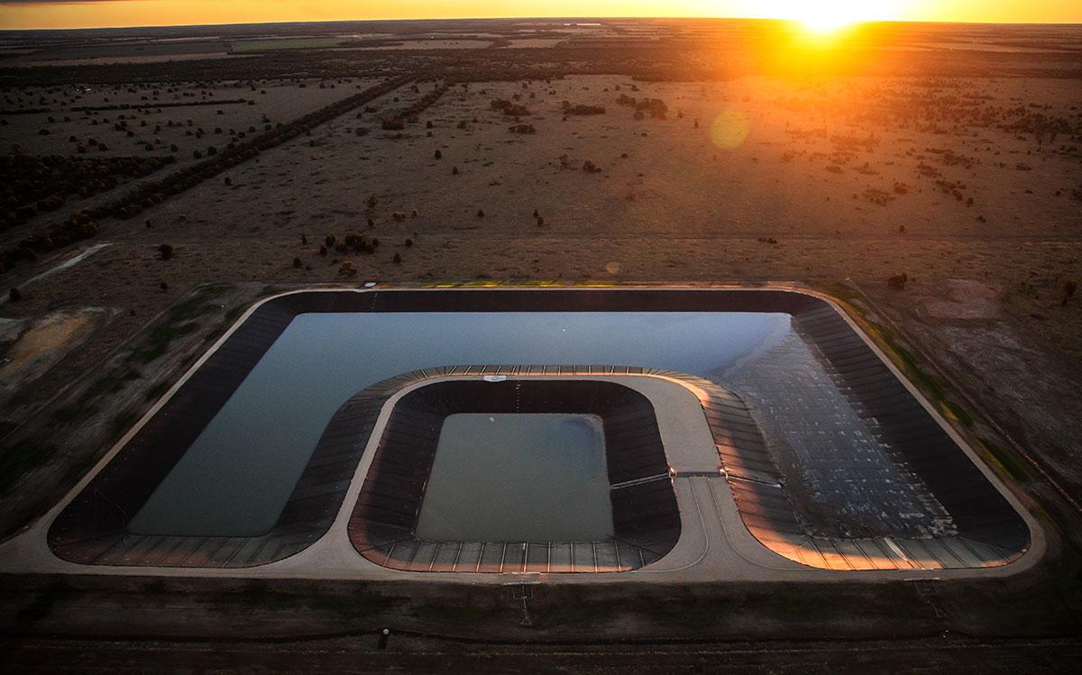 RSA-Australia-APLNG-Rig-Pads-&-Roads-windmill-pond