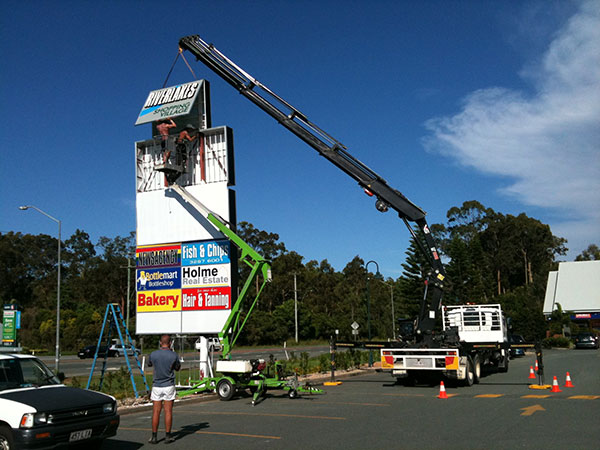 Scope Cranes & Logistics-25-construction-lift-Toowoomba