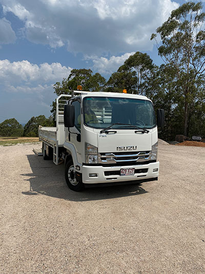 stanley-river-earthmoving-tipper-truck-hire-maroochydore