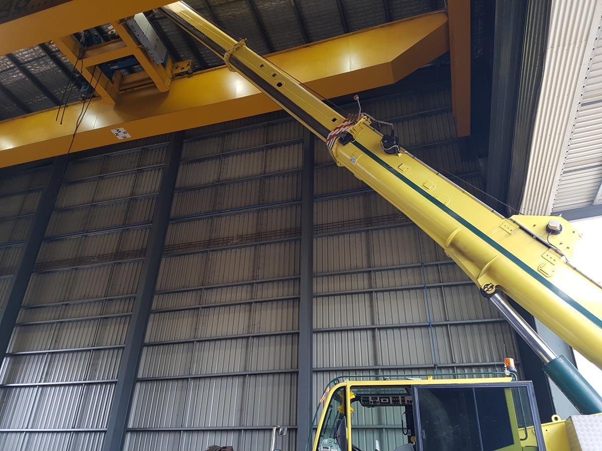 Gantry assembly by 55 tonne crane