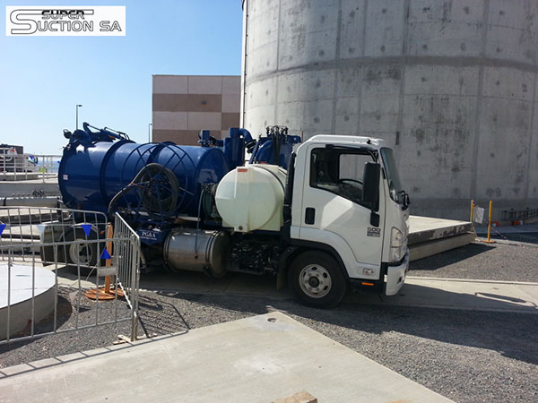 Super Suction SA 8000 L sucker truck hire Adelaide