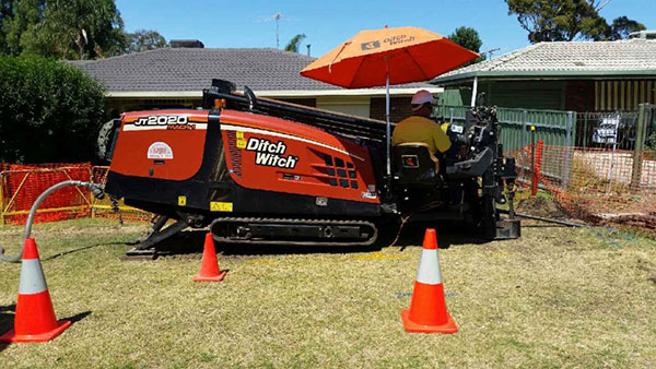 Tracked Ditch Witch JT2020
