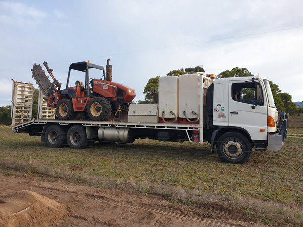 Ditch Witch RT115 on flat top