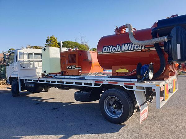 Ditch Witch 800 Vac Truck