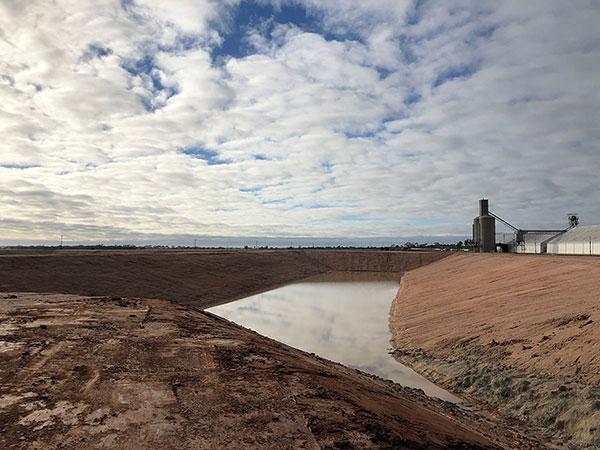 vernice-dam-construction