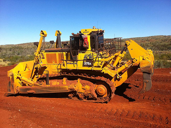 vernice-earthmoving-and-earthworks-Dam8Dozer-D375