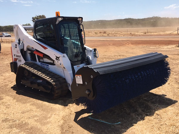 Vernice Skid steer for hire