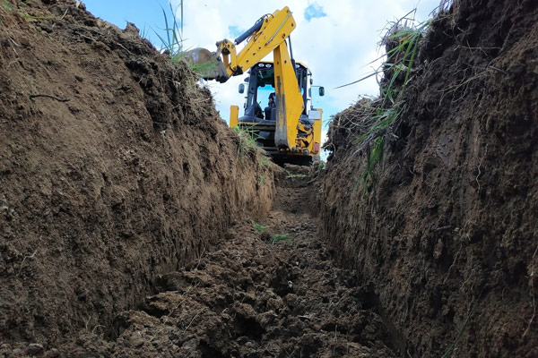Wombat Hire trench Digging Sunshine Coast